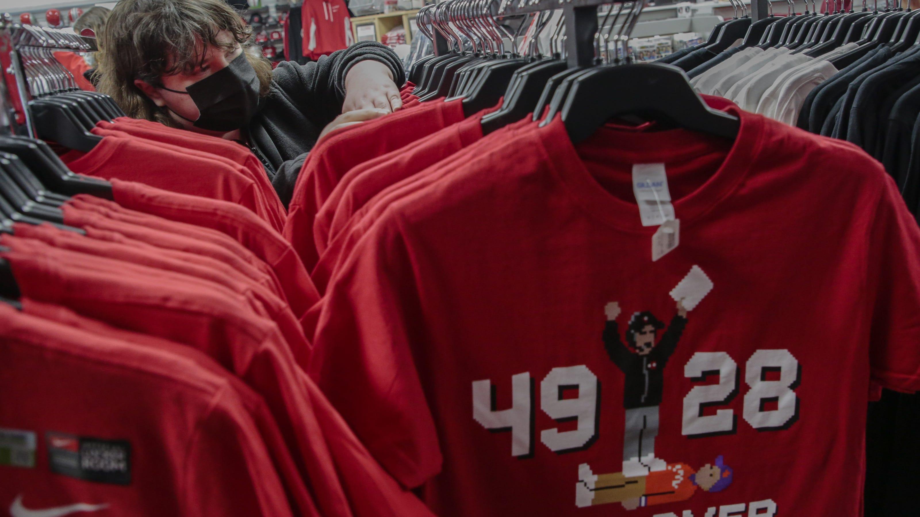 Buckeye retailers hoping football championship will save their season