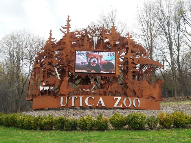 Entrance to the Utica Zoo.