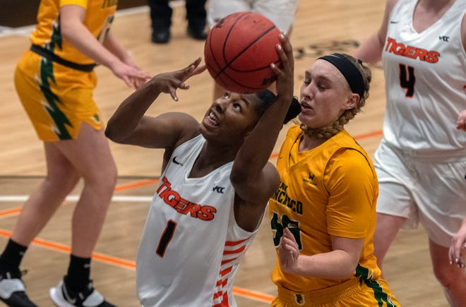 Pacific's Brooklyn McDavid (1) , is helping to lead the Tigers into their West Coast Conference matchup with Santa Clara.