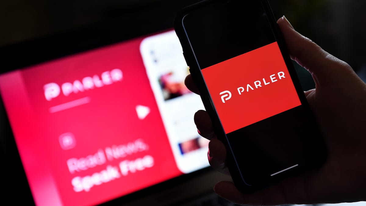 Amazon seeks to keep conservative app Parler offline 1