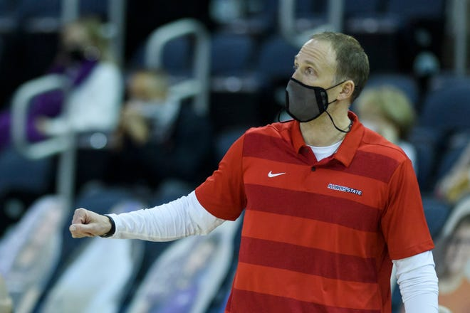 Illinois State coach Dan Muller watches his team take on Evansville in January.
