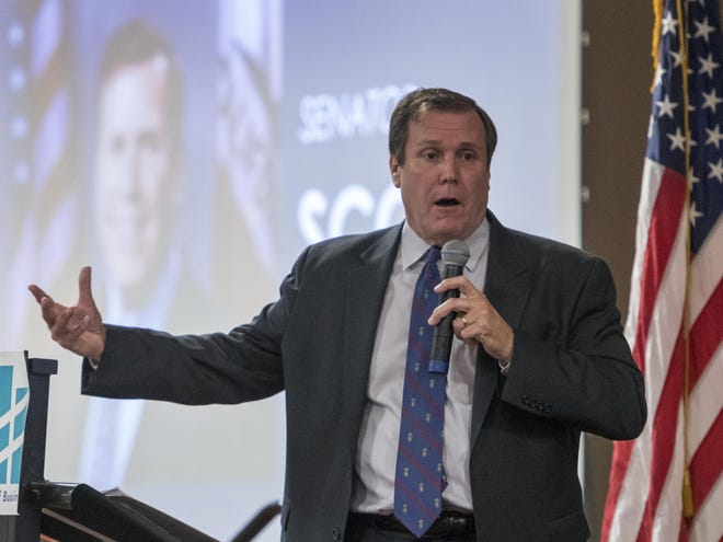 State Sen. Scott Wilk delivers a speech to the Victor Valley Chamber of Commerce in 2018.