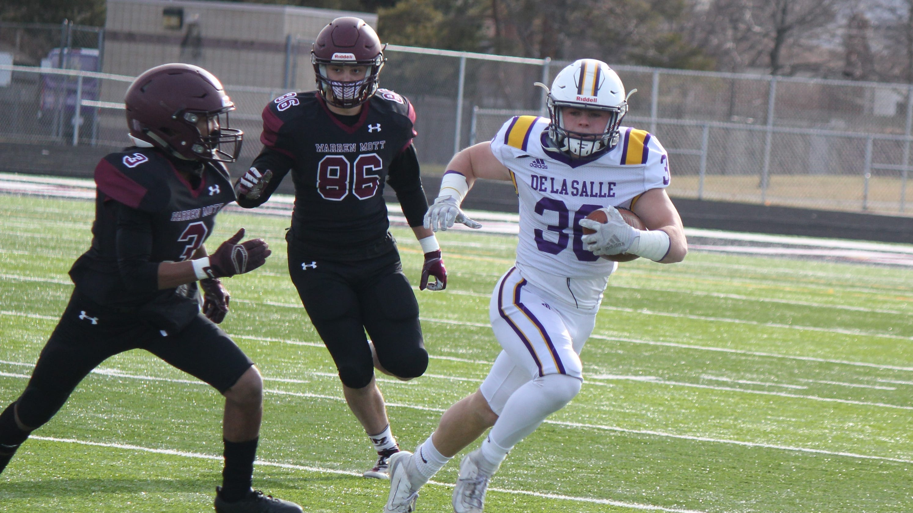 Warren De La Salle recovers from blowing 10-point lead to claim Division 2 final berth