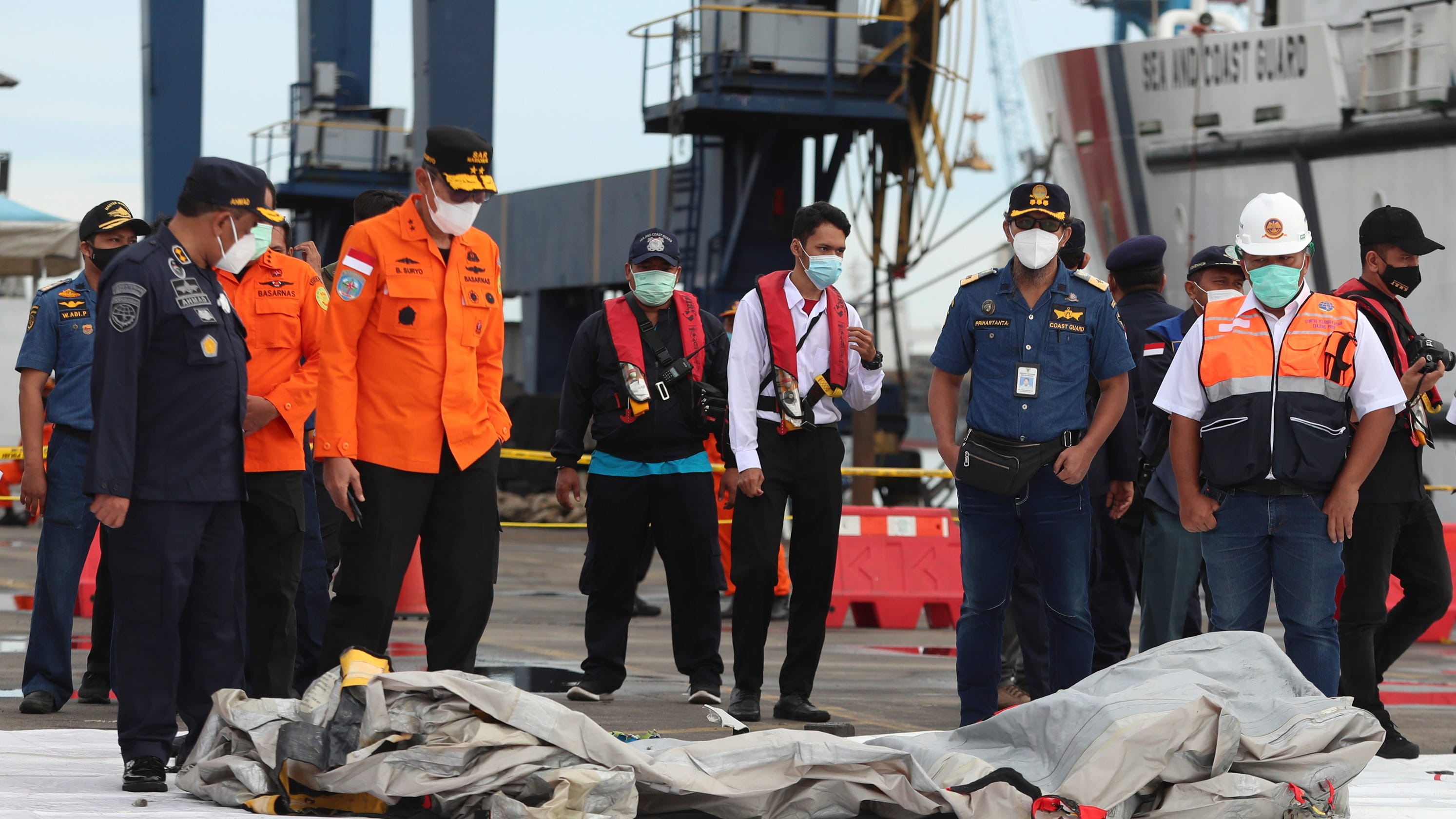 Indonesian divers find parts of Boeing plane wreckage in Java Sea