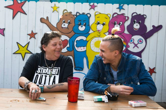 Linda Lopez, left, is a co-founder of SerenityStar Recovery Center and its donation-based Comfort Cafe in Smithville. [LYNDA M. GONZALEZ/AMERICAN-STATESMAN]