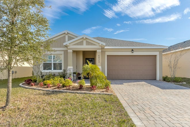 This 2017-built home, located in the family friendly neighborhood of Westport Reserves, is close to schools, shopping and restaurants in Port Orange.