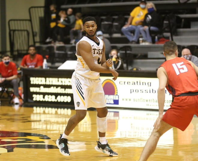 Alvin Thompson scored 13 points in the Tigers' loss at Lincoln on Saturday.