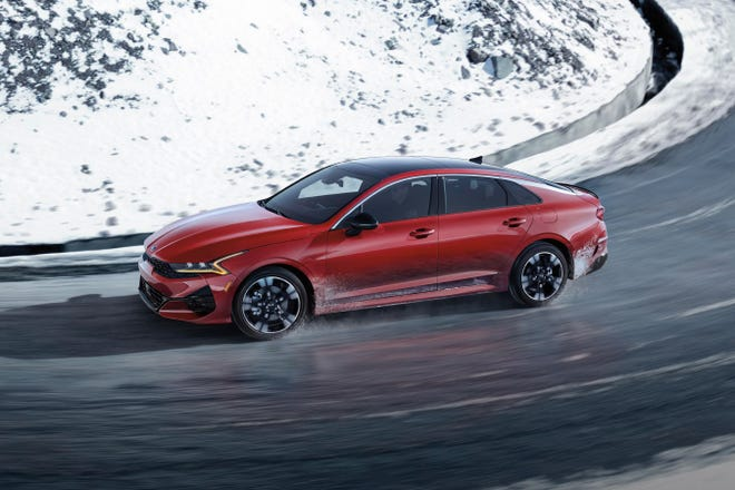The 2021 Kia K5 GT-Line is a stone beauty with sleek lines, neck-twisting styling and a low profile that gives it the air of a sports car despite its four doors and a trunk.