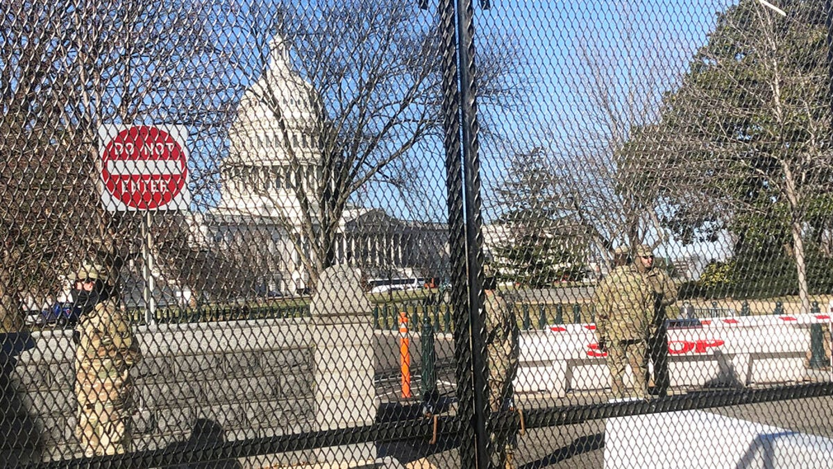 Discovery of pipe bombs in DC obscured by riot at Capitol 1