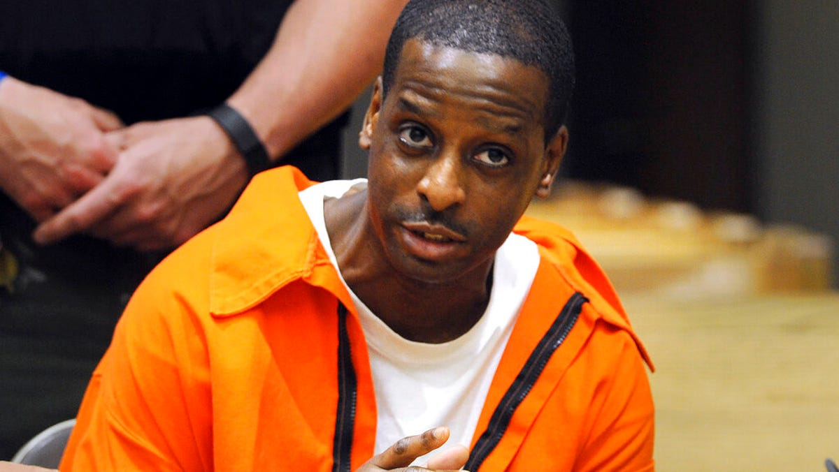 Prosecutors fight sentence reduction for murder convict 1