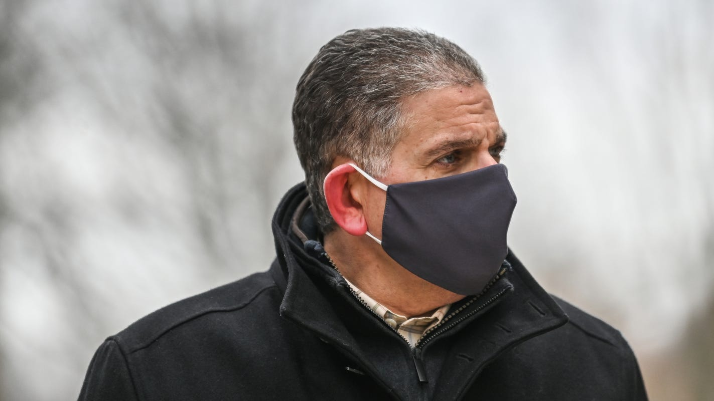 Bernero drops Lansing mayoral bid