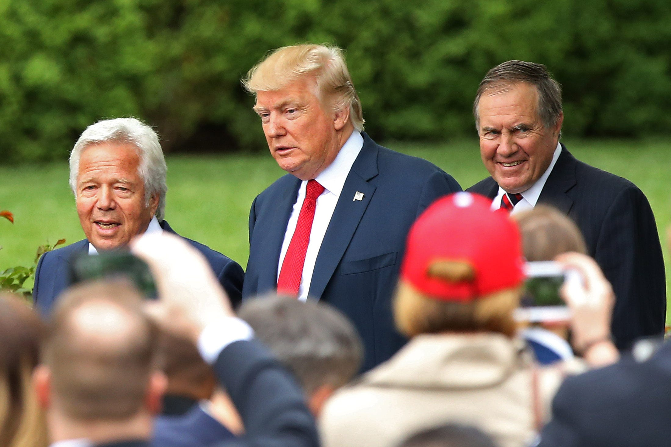 Opinion: With our country in chaos after attack on Capitol, Donald Trump plans cheap stunt: a Medal of Freedom for Bill Belichick