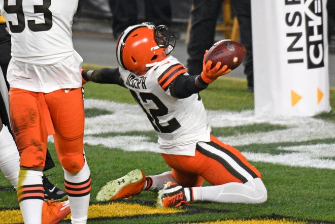 Browns strong safety Karl Joseph celebrates after recovering a fumble in the end zone for a touchdown at the start of Sunday's game.