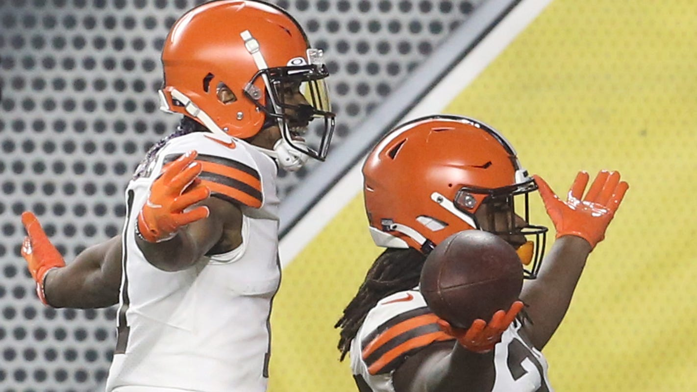 Cleveland Browns score 28 points in first quarter, hold on to beat Pittsburgh Steelers in NFL playoffs