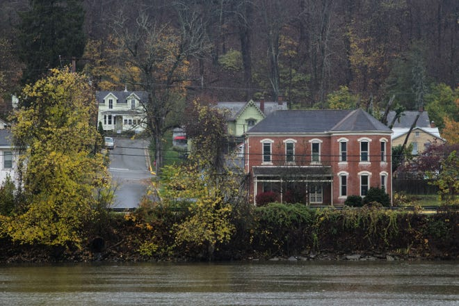 The Village of Malta, along the Muskingum River.
