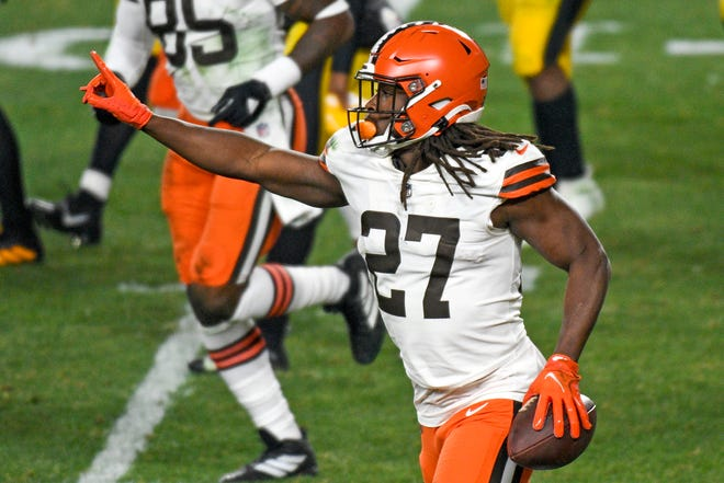 Cleveland Browns running back Kareem Hunt (27) celebrates after scoring on an eight-yard run during Sunday's AFC playoff win over Pittsburgh. The former Chief returns to Kansas City to face his first team in this Sunday's AFC divisional round.