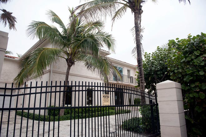 A company controlled by developer Todd Michael Glaser has bought an oceanfront house built in 1987 at 870 S. Ocean Blvd. in the Estate Section.