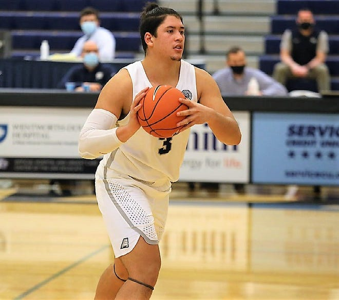 UNH junior forward NickGuadarramascored a career-best 34 points in Sunday's 68-66 loss to UMBC at Lundholm Gymnasium.