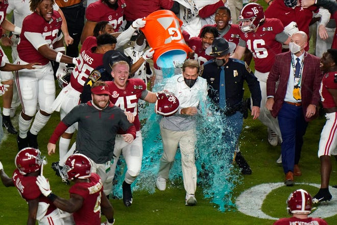 No. 1 Alabama wins national title 52-24 over No. 3 Ohio State