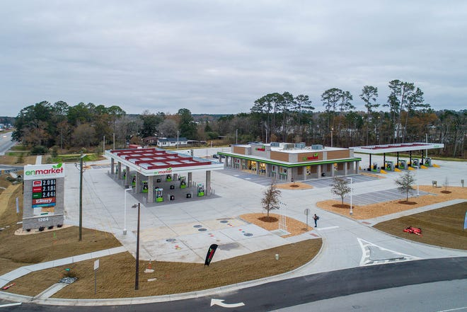 The new Pooler store becomes the 128th store in the growing Savannah-based chain of convenience stores.