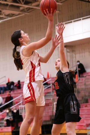After playing forward last season, sophomore Meghan Mayotte has made a smooth transition to point guard, helping Worthington Christian to a 10-1 start.