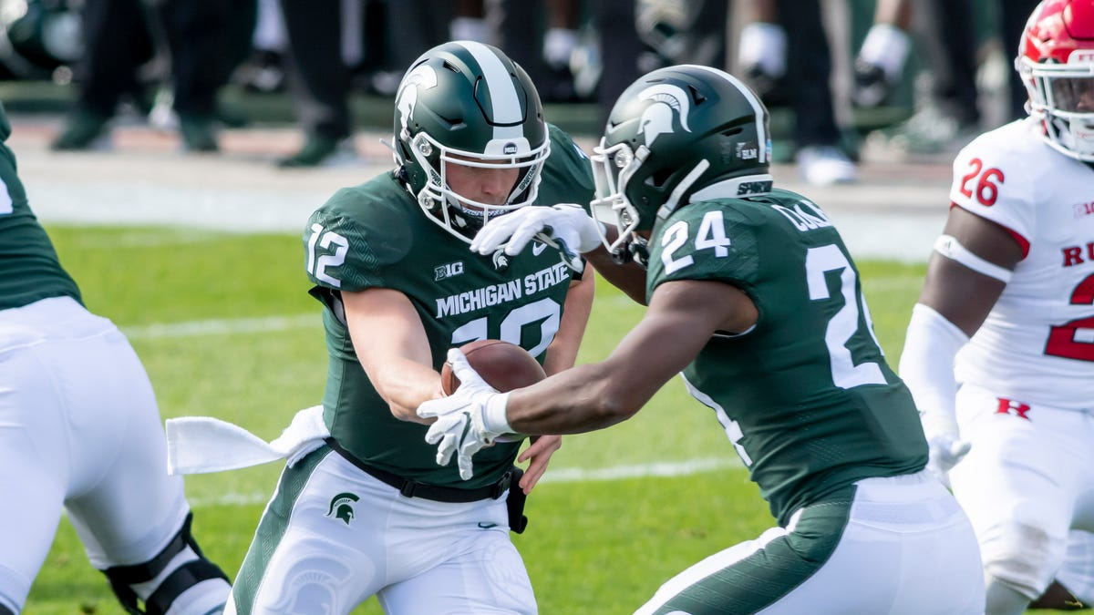 In suddenly crowded backfield, Michigan State might no longer be running on empty 1