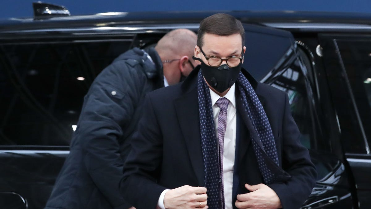 Poland's PM: Social media need anti-censorship regulations 1