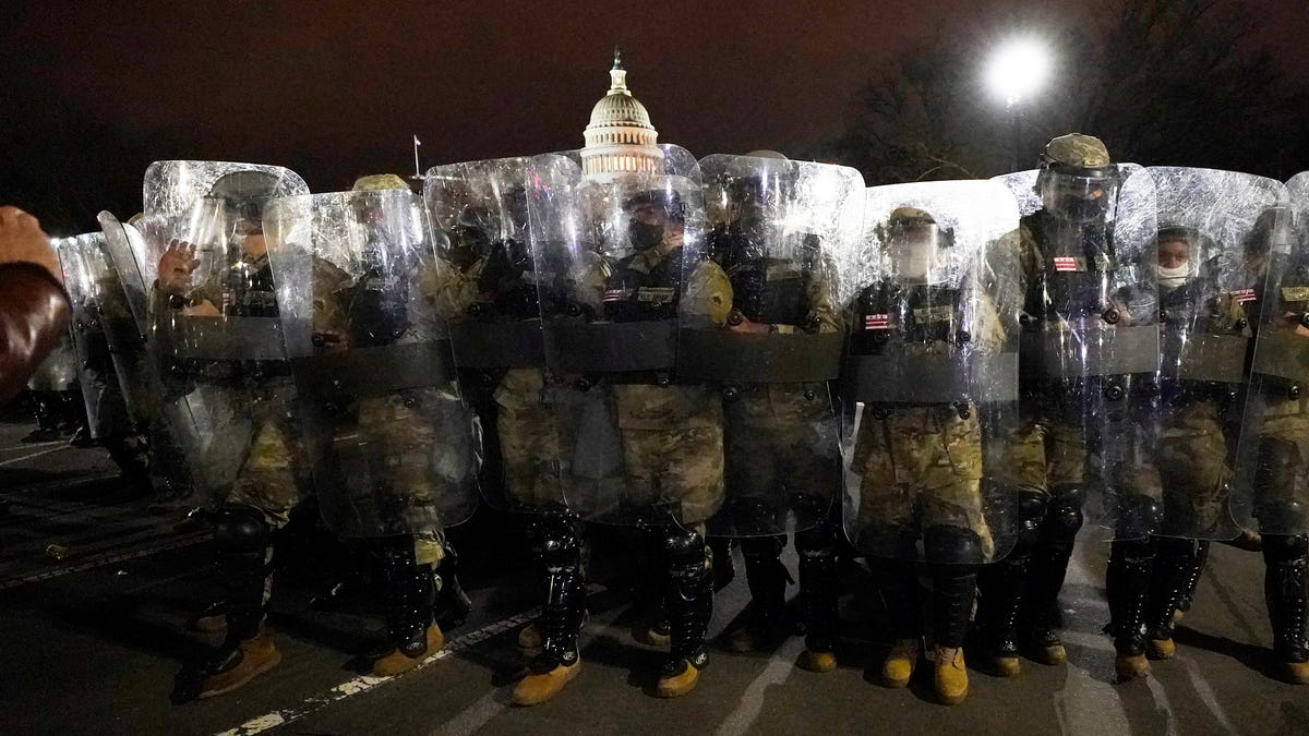 Report says FBI warned of plans for U.S. Capitol assault 1
