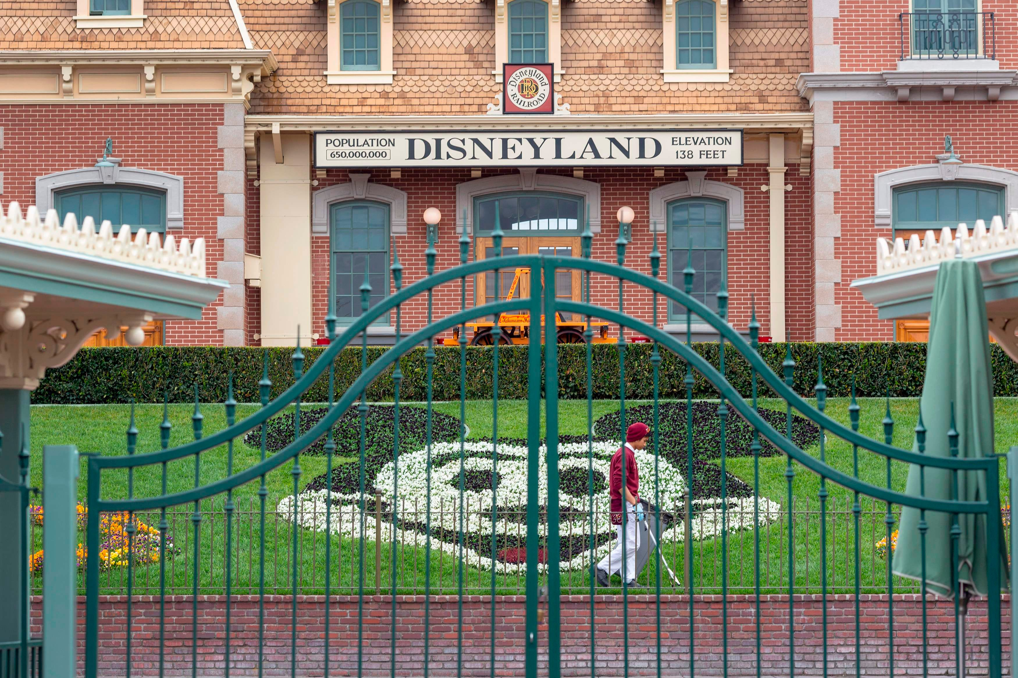 Disneyland Resort to serve as COVID-19 mass vaccination site for Orange County, California