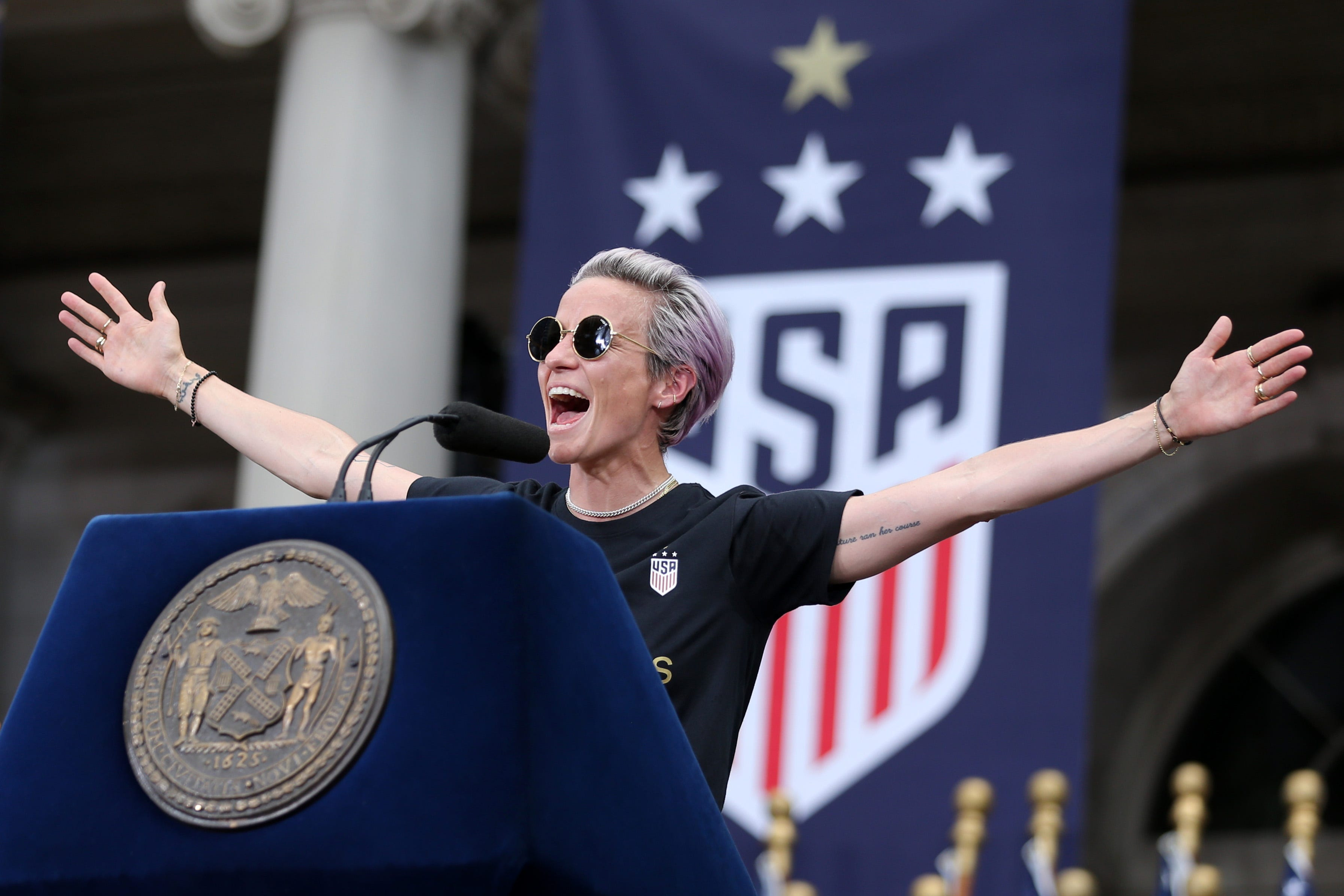 Don t bring that (expletive) here : Megan Rapinoe reacts to photo of U.S. Capitol rioter wearing USWNT sweatshirt
