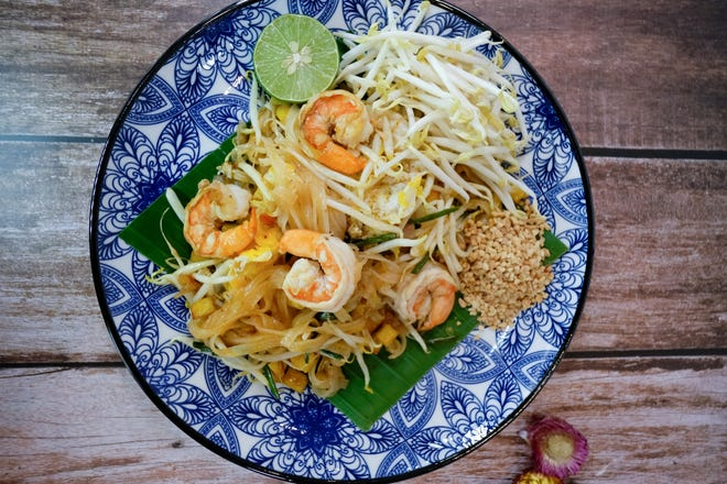 Pad Thai from Charoen Express.