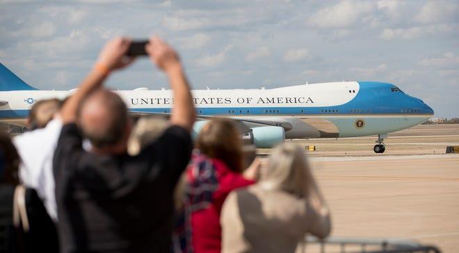 President Donald Trump arrives on Air Force One at Austin-Bergstrom International Airport on Nov. 20, 2019. [JAY JANNER/AMERICAN-STATESMAN]