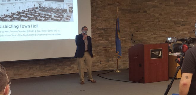 Rep. Ronny Johns (R-Ada), Vice-Chair of the South Central Subcommittee on redistricting opens the redistricting town hall at Southern Tech on Tuesday evening.