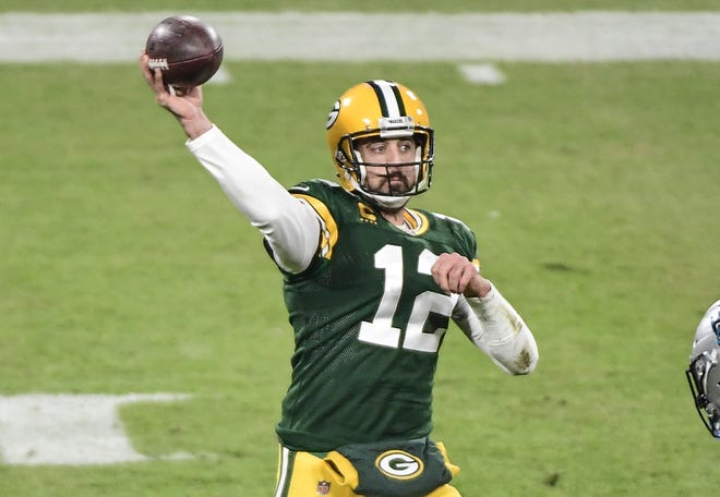 Quarterback Aaron Rodgers leads the Green Bay Packers against the Los Angeles Rams in an NFL divisional playoff game Saturday.