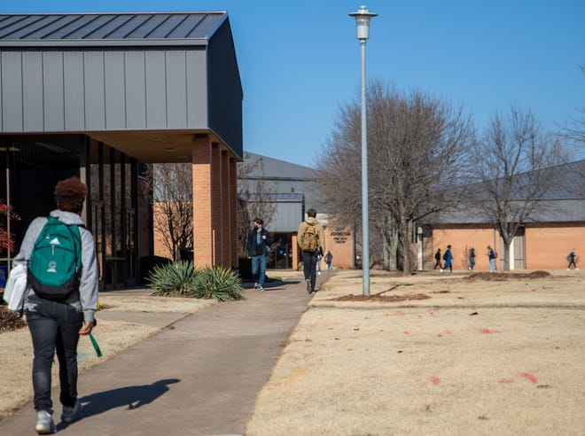 Students return to campus as SSC's Spring Semester Begins.