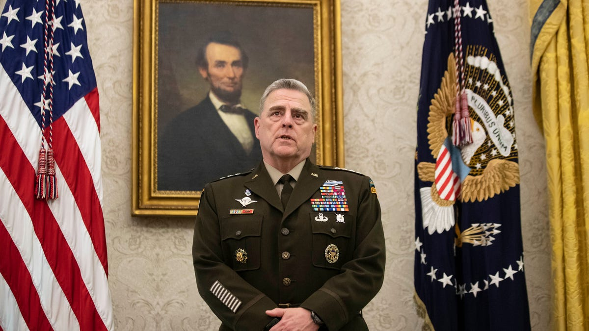 Top military leaders remind troops of limits of free speech 1