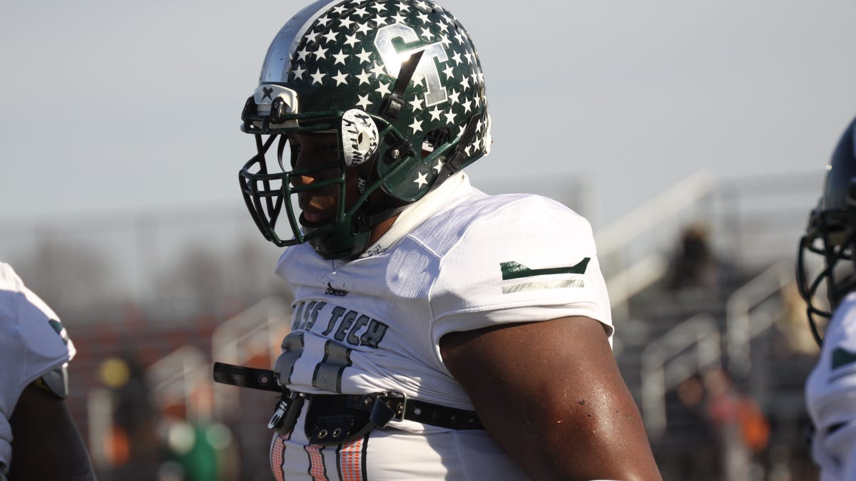 Trieu: 'Ceiling is unlimited' for Michigan State target, Cass Tech DT Deone Walker 1