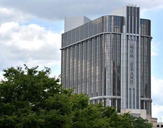 MGM Grand Detroit mengirimkan email kepada pelanggan Rabu, mengatakan akan membuka kembali ruang pokernya pada hari Jumat, dengan pembatasan kapasitas di tengah pandemi COVID-19 yang sedang berlangsung.