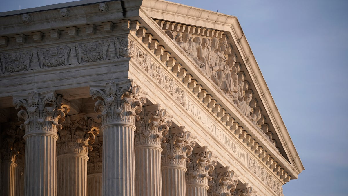 Justices say women must obtain abortion pill in person 1