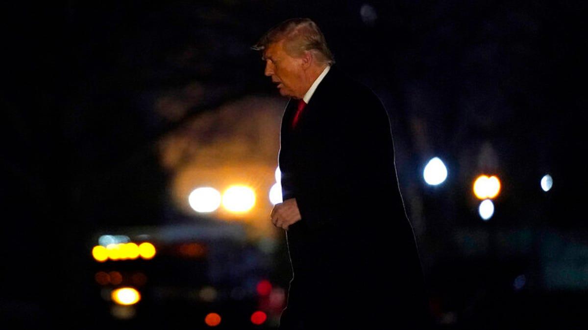 Trump's Republican wall eroding ahead of impeachment vote 1