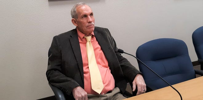 Ward 4 Carlsbad City Councilor Mark Walterscheid questioned City of Carlsbad Director of Utilities Ron Myers on Jan. 12, 2021 if a proposed sewer line for south Carlsbad would extend past Derrick Road.