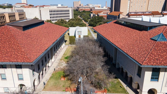 The Blanton Museum of Art plans to transform the outdoor space around its three buildings into a grand southern gateway to the University of Texas campus.