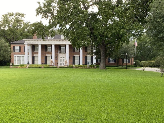 This is one of the homes currently on the market in Ardmore. A limited number of properties on the market has created an extremely competitive market in Southern Oklahoma.