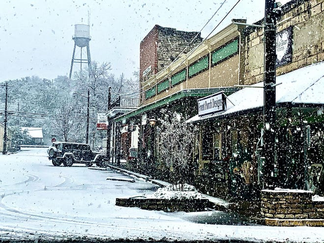 The Downtown Square was hit hard by the snowstorm that passed through Glen Rose on Saturday and Sunday night.