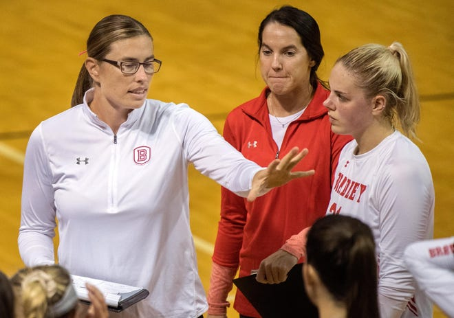Bradley volleyball coach Carol Price-Torok talks to her team during a scrimmage in the fall of 2019. The Braves are set to open the delayed 2020-21 season on Jan. 25 against Illinois State.