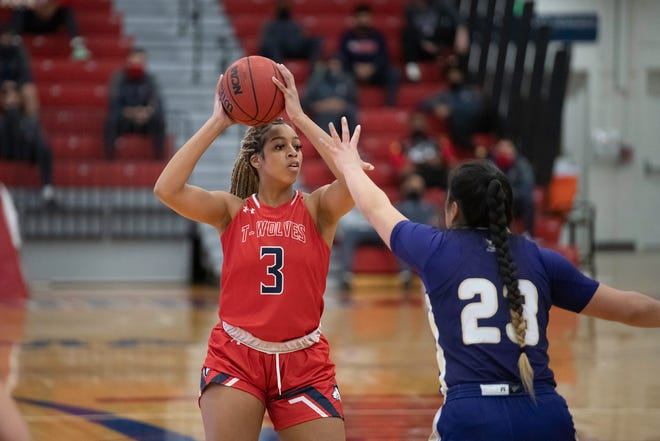CSU Pueblo's Sydni Williams, pictured here against Westminster on Dec. 18, 2020, led the ThunderWolves in scoring with 12 points in a loss to Colorado School of Mines on Friday