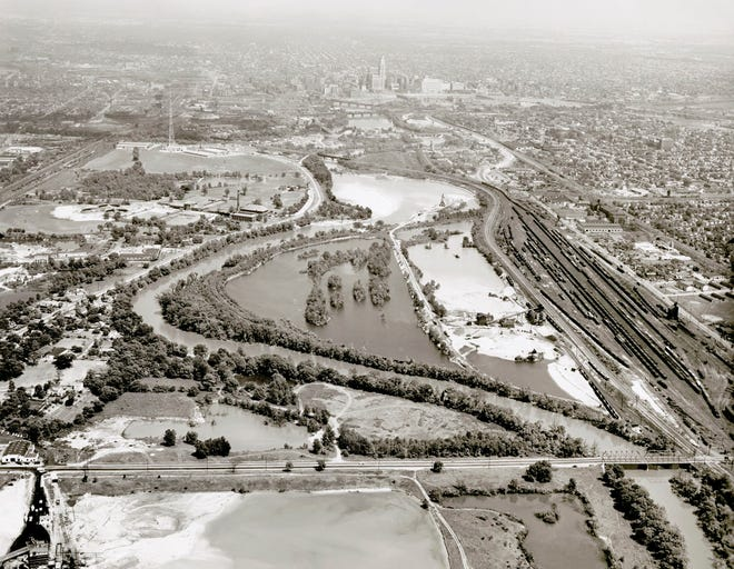 This 1949 photo is an aerial view of the confluence of the rivers on the south side of Grandview Heights, looking toward downtown Columbus in the background.