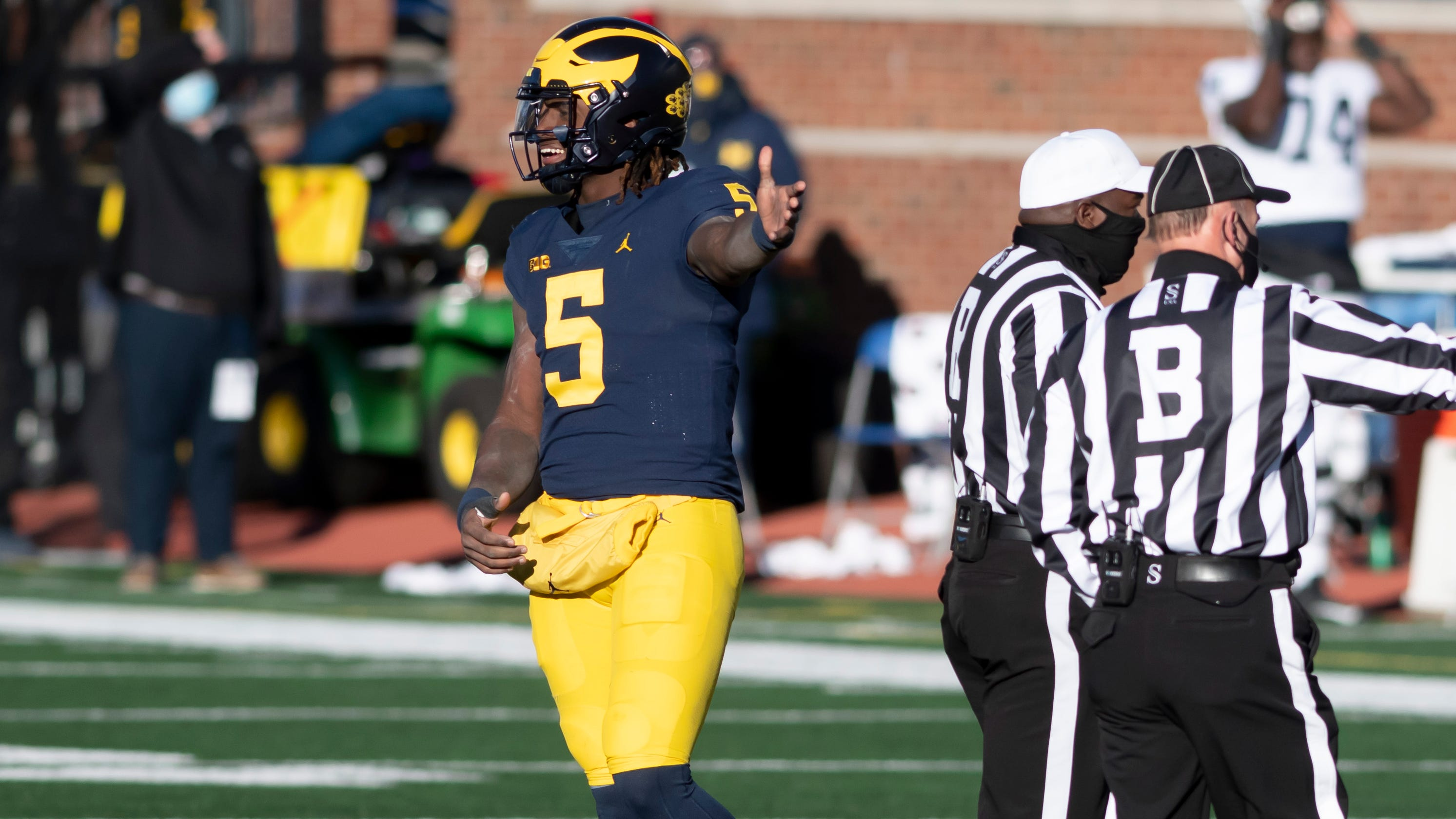 Michigan quarterback Joe Milton has offseason thumb surgery