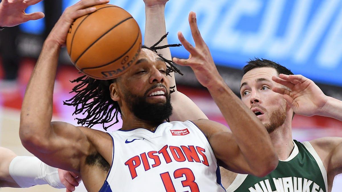 Bucks beat Pistons 110-101 at LCA to win 10th straight regular season matchup 1