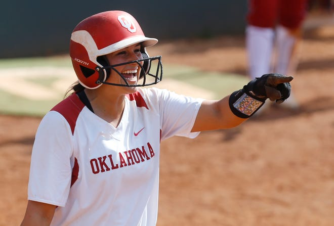 Lauren Chamberlain, the former Oklahoma softball star and college home run queen, is a Buffalo Bills fan thanks to her Rochester roots.